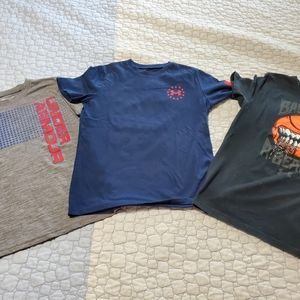 Boys Under Armour Tshirt bundle, size YLG